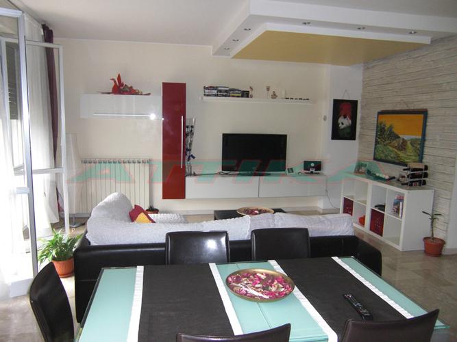 Appartamento sant orso fano pesaro e urbino vendita for Arredare cucina soggiorno 20 mq