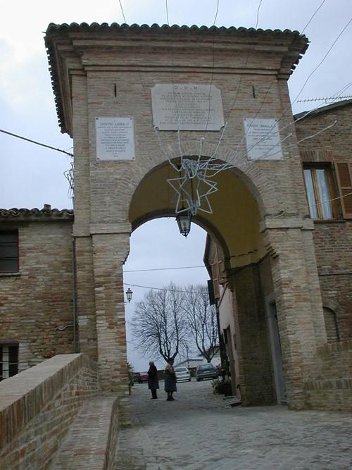 Casa a schiera San Costanzo Cerasa
